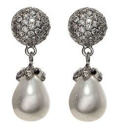 Liz Taylor's Pearl Earrings