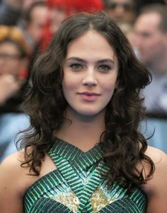 "Downton Abbey Addicts: Jessica Brown Findlay Makes Glamour's List of ""7 Ladies Who Are Gonna Have a Huge 2014"""
