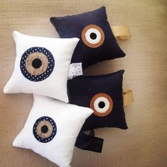 The eye ... Hand made pillows ...