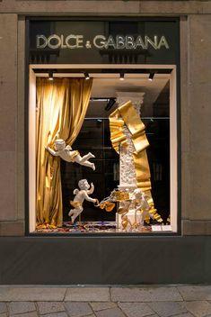 Dolce&Gabbana Holiday Season Windows Visual Merchandiser, styling and still life designs Window Display Retail, Window Display Design, Boys Game Room, Vitrine Design, Jewelry Store Design, Visual Merchandising Displays, Girl Baby Shower Decorations, Window Styles, Curtain Designs