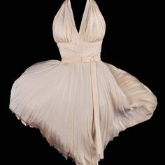 Marilyn Monroe - The seven year Itch Dress!