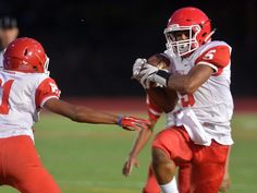 NFA playmaker has new position on football field - Norwich Free Academy's Jawaun Johnson, who has been NFA's starting quarterback for the last two years, will play wide receiver to start this season. Read more: http://www.norwichbulletin.com/article/20160908/sports/160909519 #CT #Ctsports #Sports #HSSports #HSFootball #Football #NFA #NorwichFreeAcademy