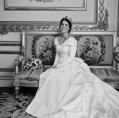 Princess Eugenie of York Royal Wedding Gowns, Wedding Dress Trends, Royal Weddings, Weding Dresses, Bridal Gowns, Princess Eugenie Jack Brooksbank, Princess Eugenie And Beatrice, Pictures Of Princesses, All The Princesses
