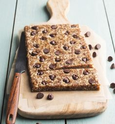 I Heart Chocolate Chip Cookie Dough Bars // Pitted dates, raw nuts, vanilla + dark chocolate chips