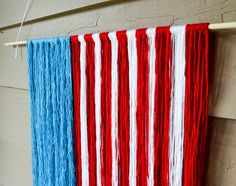 31 Unusual Flag Ideas That Actually Look Amazing Wooden Stars, Metal Stars, American Flag Crafts, Memorial Day Flag, Painting Glass Jars, Fourth Of July Decor, July 4th, Wood Wreath, Flag Painting