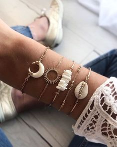 Alice Charms Rabbit Charm Diy Jewelry Accessories for Necklace & Bracelet Making Enamel Charms In Gold Metal - Custom Jewelry Ideas Shell Jewelry, Cute Jewelry, Bridal Jewelry, Jewelry Bracelets, Jewelry Accessories, Jewelry Design, Women Jewelry, Fashion Jewelry, Shell Bracelet