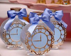O relógio já marca a hora de desejar uma vida cheia de felicidade para nossa Giovanna #atelierartemao #giovannafaz1ano #festacinderela #cinderela #cinderelaparty