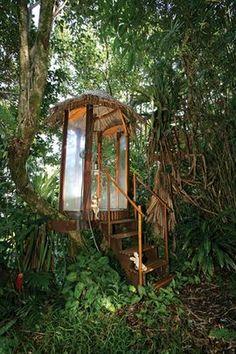 Outdoor shower hut
