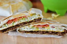 Taco Bell Crunchwrap Supreme (Copycat)~ Seasoned ground beef, nacho cheese, a crunchy corn tortilla, sour cream, lettuce and tomato all wrapped inside a large flour tortilla Mexican Dishes, Mexican Food Recipes, Dinner Recipes, Ethnic Recipes, Yummy Recipes, Salad Recipes, Taco Bell Recipes, Fondue Recipes, Cat Recipes