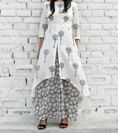 épinglé par ❃❀CM❁Grey & White Cotton Printed High Low Cape And Palazzo Set Indian Fashion, Boho Fashion, Fashion Dresses, Kurta Designs, Blouse Designs, Indian Dresses, Indian Outfits, Vetements Clothing, Hijab Style