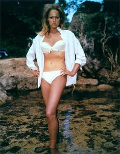 Ursula Andress as Honey Ryder Dr. No Honey Ryder — and her ubiquitous bikini — became the ultimate in Bond girl style. Ursula Andress, The Best Films, Iconic Movies, James Bond Girls, Honey Ryder, Film Icon, Best Swimsuits, Thing 1, Movie Photo