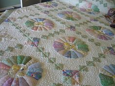 My beautiful Dresdon Plate quilt.