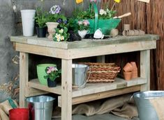 If you're tired of starting seeds on the kitchen counter, use these free, DIY potting bench plans to build your own outdoor potting station! Potting Bench Plans, Potting Tables, Potting Sheds, Garden Projects, Diy Projects, Garden Ideas, Outdoor Projects, Pallet Projects, Diy Bank