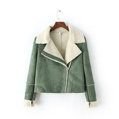 ジャケット - 上品な折り返し大きめ裏地ボア魅せ衿、長袖色切り替えアシメデザインショート丈厚手アウター
