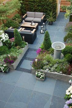 Planting, green but some colour Vertical Garden Design, Small Backyard Design, Backyard Patio Designs, Small Backyard Landscaping, Modern Garden Design, Backyard Ideas, Small Courtyard Gardens, Back Gardens, Small Gardens