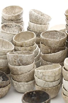 Marika Akilova, White Raku Bowls. would love a set on my small kitchen