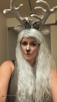 Here is my take on the stag as a Harry Potter Patronus costume! Beautiful, shimmering and easy to make, it won best costume at a Halloween party! Homemade Costumes, Diy Costumes, Cosplay Costumes, Costume Ideas, Harry Potter Cast, Harry Potter Books, Harry Potter Halloween Costumes, Harry Potter Painting, Book Character Costumes