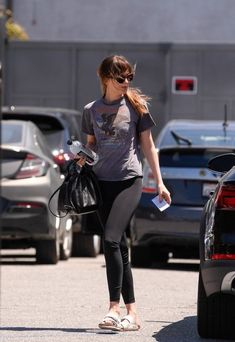 May 3, 2018 | Dakota arriving at a yoga studio in Los Angeles, California. #dakotajohnson