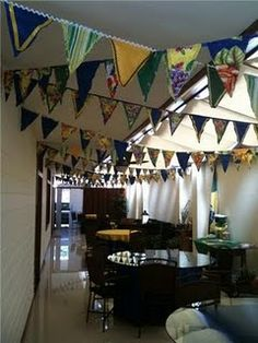 There ya go!  Now that's some plentiful bunting!