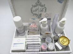 Divina Caixa: Caixa Kit Banheiro RENDADA e bordada. Um luxo!