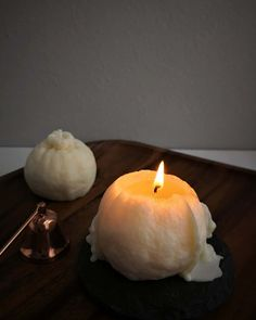Four hours later, does it look like Baozi or pumpkin? Light up your life! Candle Art, Pumpkin Lights, Soy Wax Melts, Handmade Candles, Soy Candles, Wedding Gifts, Candle Holders, Orange, Life