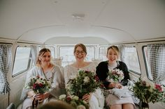 Bride wears her glasses for a modern Northern City Wedding in Leeds. Images by Jamie Sia