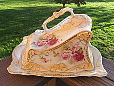 Cheese Dome, Cheese Trays, Cheese Dishes, Butter Cheese, Butter Dish, English Country Style, China Patterns, Tea Time, Shabby Chic