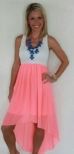 love that dress & necklace!