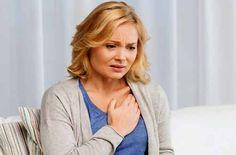Fuerte dolor en el pecho puede producirse por otras afecciones distintas al infarto cardiaco, la osteocondritis es una de ellas. ¡Conoce por qué causa dolor torácico!