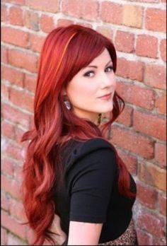 """MODERN Facebook fan Shauna Powers, from Dukes and Dolls Salon in Petaluma, California, shared this redhead... and it went VIRAL! Thousands of """"likes"""" and hundreds of shares."""