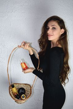 I think that everybody wants a healthy and luxurious hair, especially girls. We need treatments which are corresponding to the type of hair we have. Healthy Hair, Straw Bag, Articles, Blog, Blogging, Healthy Hair Tips