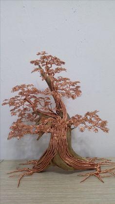 Wire Tree Sculpture, Sculpture Clay, Wire Sculptures, Driftwood Crafts, Wire Crafts, Weird Trees, Bonsai Wire, Metal Tree, Wire Art
