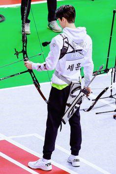 Sehun - 170116 2017 MBC Idol Athletics, Archery, Rhythmic Gymnastics and Aerobics Championship Credit: Saekobaby. (2017 MBC 아이돌 스타 육상 양궁 리듬체조 에어로빅 선수권 대회)