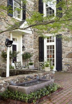 Nice stone for house. Architect Peter Zimmerman's Stone Farmhouse - Old-House Online - Old-House Online Old Stone Houses, Old Houses, Houses With Stone Exterior, Stone House Exteriors, Abandoned Houses, Stommel Haus, Future House, My House, This Old House