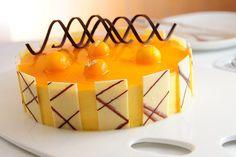 cravingsforfood:    Mango mousse cake.