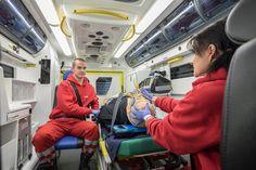 Kaakkois-Suomen ammattikorkeakoulu XAMK:n ensihoitajakoulutuksesta vastaava Kotkan toimipiste on saanut kolmen vuoden työn tuloksena keväällä opetus-, koulutus- ja tutkimuskäyttöön erityisen simulaattorin. Ambulanssisimulaattorin ensisijaisena tavoitteena on kehittää ambulanssin kuljettamista, hälytysajoa sekä kuljetuksen aikaista potilaan hoitoa ja valvontaa. Projekti on ainutlaatuinen niin Suomessa kuin Euroopankin mittakaavassa. Muiden vaativien ensihoitotehtävien ohella erityistason…