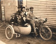 Not sure of the bike but I love the canoe sidecar..it has a door.