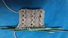 Ulla 01/18 - Artikkelit - Vaihtelua joustinneuleelle Funny Socks, Knitting Socks, Diy And Crafts, 18th, Crochet Necklace, Crocheting, Tricot, Knitting, Dots