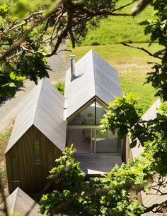 Micro Cluster Cabins -  ArkitekterArchitects: Reiulf Ramstad Arkitekter Location: Herfell, 3280 Tjodalyng, Norway Area: 70.0 sqm Year: 2014 Photographs: Lars Petter Pettersen, Courtesy of Reiulf Ramstad Arkitekter