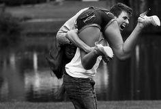 36 choses qui arrivent lorsque votre copain est aussi votre meilleur ami ! …