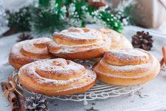 Posni vanila pužići: Mekani, ukusni i jednostavni za pripremu! Serbian Recipes, Serbian Food, Kolaci I Torte, Sweet Pastries, Pesto Pasta, Doughnut, Recipies, Muffin, Cooking Recipes