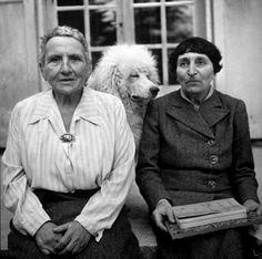 urlof:  Gertrude Stein, Alice B. Toklas, Basket and Pépé in LIFE Magazine, September 1944 Photography by Carl Mydans