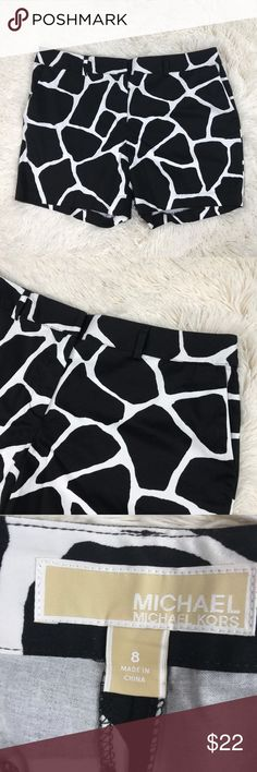 MICHAEL Michael Kors Casual Shorts Women's size 8 black & white MICHAEL Michael Kors flat front shorts. 97% cotton, 3% spandex.    Comes from a smoke free home!    Pre-owned. In good condition. No rips, tears, holes or stains. MICHAEL Michael Kors Shorts