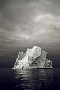 Ice berg dead ahead .:. Photographer: Camille Seaman