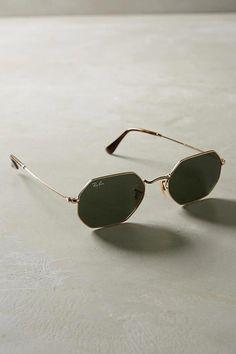 Sunglasses on Hexagonal Ray-Ban Sunglasses Milan Fashion Weeks, London Fashion, Stylish Sunglasses, Mens Sunglasses, Luxury Sunglasses, Summer Sunglasses, Quoi Porter, Discount Ray Bans, Cheap Ray Bans