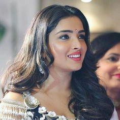 Bhojpuri Actress, Anupama Parameswaran, Beautiful Indian Actress, India Beauty, Indian Actresses, Beauty Women, Desi, Bollywood, Faces