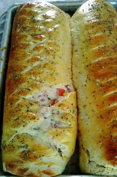 Elza Campanucci Pizza Bread Recipe Click Translate to change the language Bread Recipes, Cooking Recipes, Salty Foods, Portuguese Recipes, Polenta, Bruschetta, Cooking Time, Love Food, Sandwiches