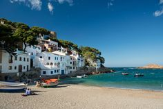 Un poquito de mar en Sa Tuna - Razones definitivas por las que viajar al Empordà en otoño