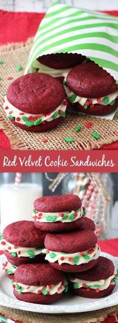 Sandwiches de galleta  Red Velvet con glaseado de queso crema como postre de navidad. #PostresDeNavidad