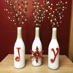 Craft night was a success! DIY wine bottle decor for Christmas! Decor Crafts, Holiday Crafts, Christmas Crafts, Craft Decorations, Diy Decoration, Craft Ideas, Bottle Decorations, Bottle Centerpieces, Christmas Holidays